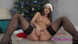 1111Customs 4k – Busty MILF Emily Addison delivers some JOI for Christmas